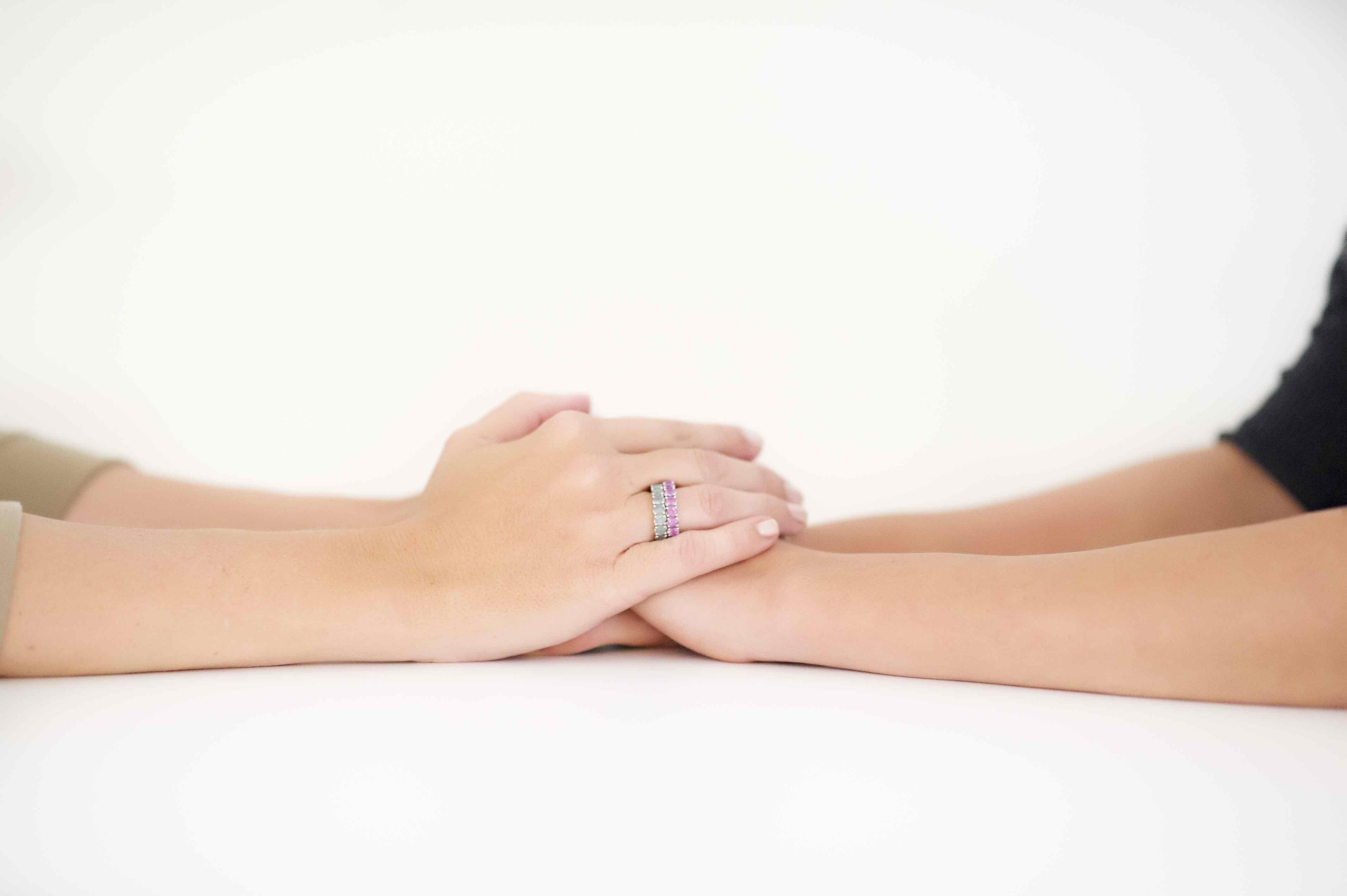 Zwei Hände der High heal